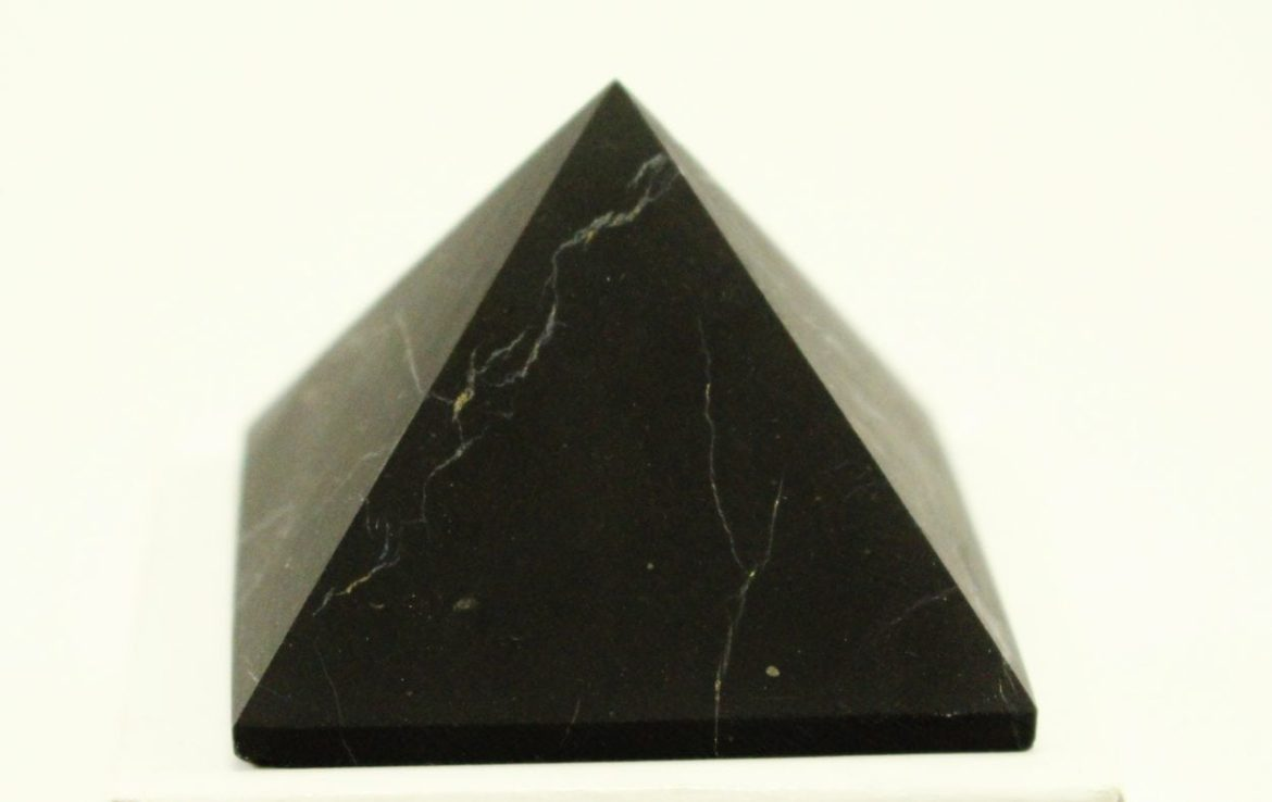 "Article Crystal Dreams Shungite La ""pierre de la vie"""