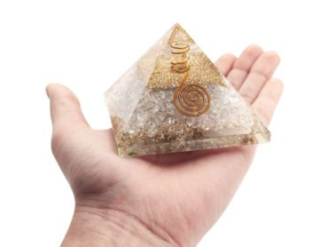 Orgone pyramid Clear Quartz (L) - Crystal Dreams
