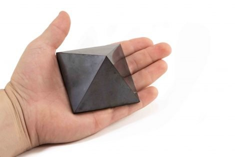 Shungite Pyramid 7 cm (L) - Crystal Dreams