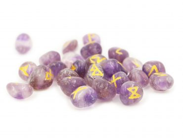 Amethyst Runes set - Crystal Dreams