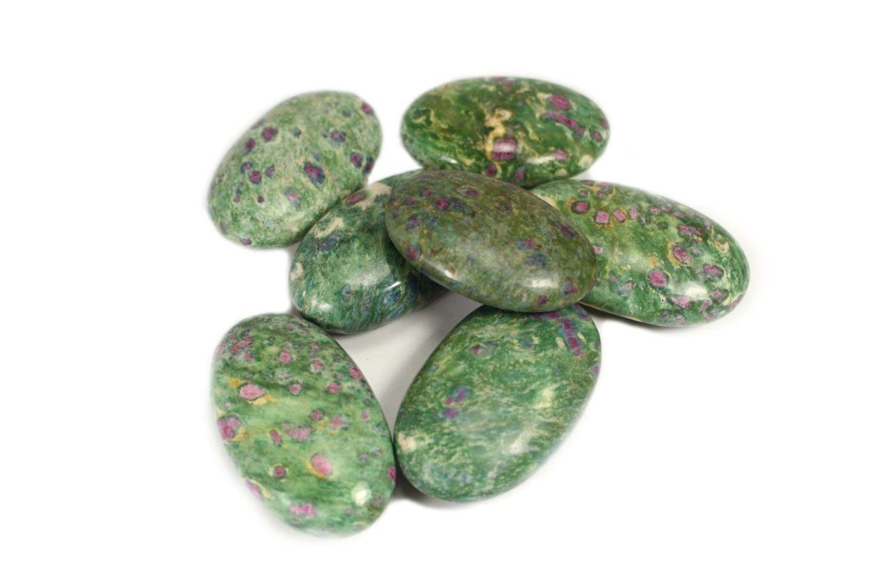 Crystal Dreams Rubis Fuschite Palm Stone