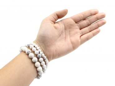 Howlite bracelets hand photo - Crystal Dreams