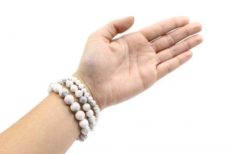 Howlite bracelets hand photo - Crystal Dreams