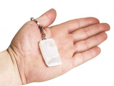 selenite keychain - Crystal Dreams
