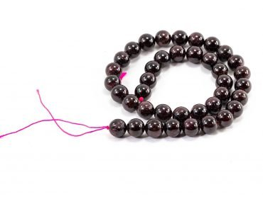 Garnet Beads (8mm or 10mm) - Crystal Dreams