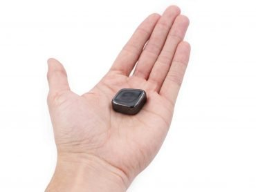 Sticky Magnetic hematite stone tumbled - Crystal Dreams