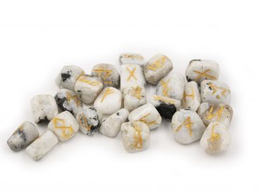 Moonstone Runes Set - Crystal Dreams