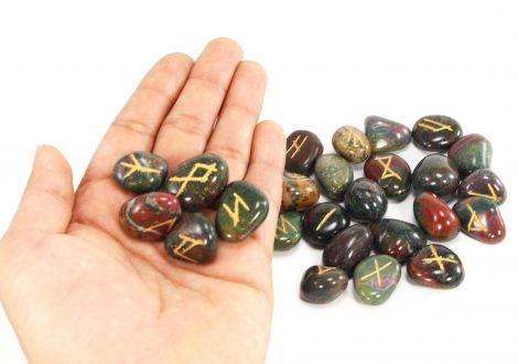Bloodstone Runes Set - Crystal Dreams