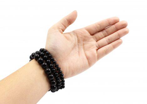 Onyx bracelets hand photo - Crystal Dreams
