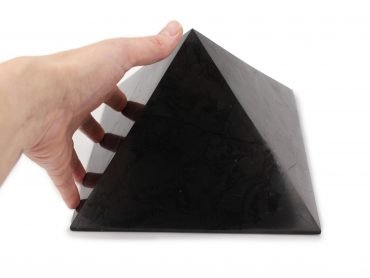 Shungite Pyramid (XL) - Crystal Dreams