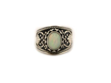 "Opal ""Cabochon"" Sterling Silver Ring - Crystal Dreams"
