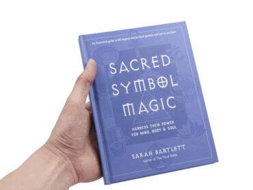Symbol Magic Book - Crystal Dreams
